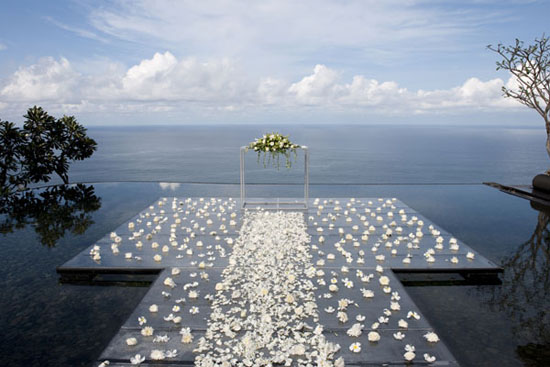 6 Beach Wedding With A Twist Weddings Have Always Been One Of The Most And Sought After Themes But How About If We Give It