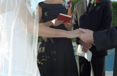 Choosing-Your-Wedding-Officiant-–-Tips-And-Advice
